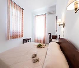 1a_paros_apartments_bedroom